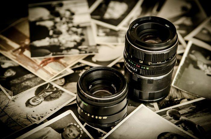 カメラレンズの写真
